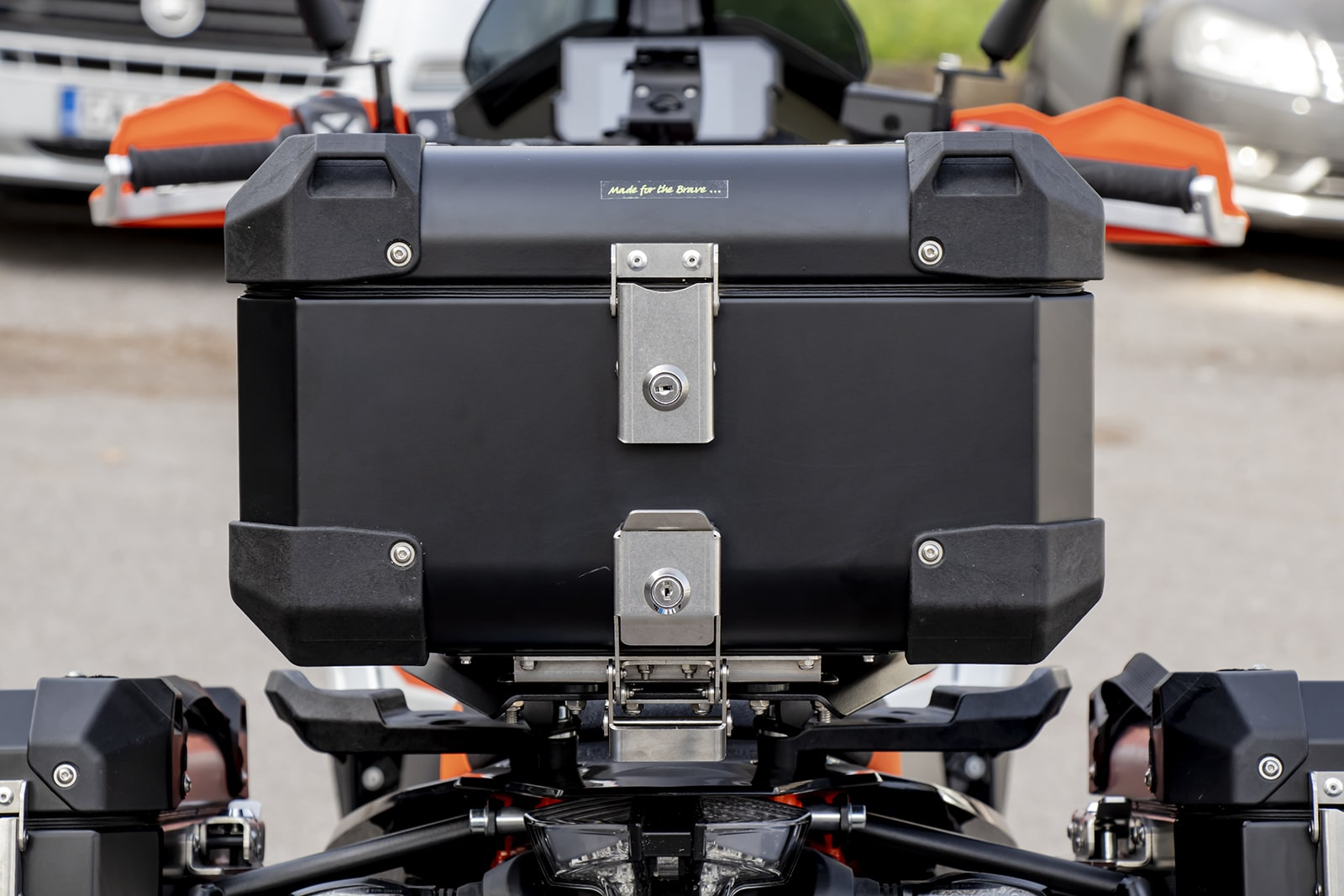 Defender EVO Top cases incl top rack