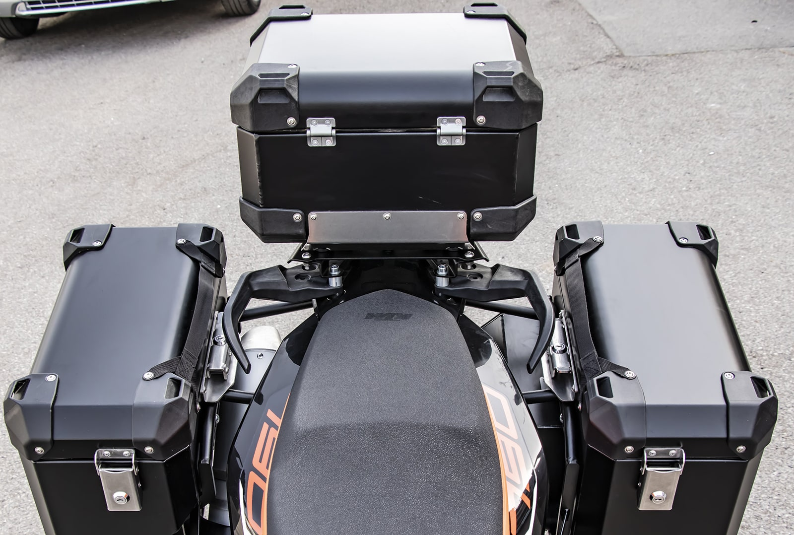 Defender EVO Top cases incl top rack