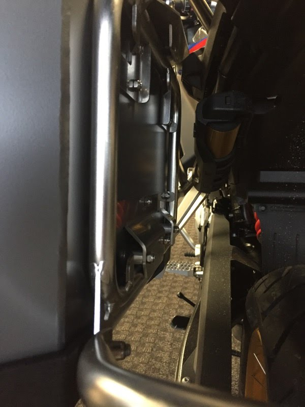 Defender EVO  panniers system system for Original BMW racks of F850GSA