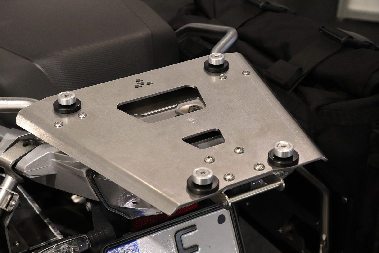 EVO Top case mounting plate
